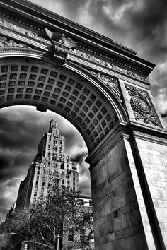 Photograph Washington Square Park by Stefan Schnöpf Black And White City, Black And White Aesthetic, Black And White Pictures, White Art, Photography Essentials, City Photography, Washington Square Park, Black And White Photography, Aesthetic Pictures