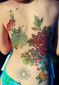 Chrysanthemum is one of the most cultivated flowering plants and a popular plant of the daisy family. Like many other flowers, chrysanthemum also becomes one of design elements for tattooing. Among the flower tattoos, chrysanthemum Tattoo is getting more and more popular, and there are many reasons for people to love the flower.