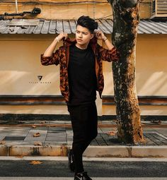 The famous tik tok star riyaz aly. Riyaz aly which was becoming a new star by the tik tok app. The tik tok star riyaz aly. Photo Poses For Boy, Cute Boy Photo, Poses For Men, Boy Poses, Handsome Celebrities, Cute Celebrities, Bollywood Celebrities, Celebrity Faces, Celebrity Crush