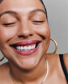 Glossier Generation G Lipstick Campaign 2018 (Glossier) Glossier Models, Glossier Girl, Glossier Look, Glossier Campaign, Glossier Ad, Makeup Inspo, Beauty Makeup, Face Makeup, Human Body