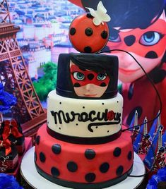Festa de Aniversário Ladybug: 25 inspirações incríveis - Fazer em Casa Ladybug Cakes, Miraclous Ladybug, Miraculous Ladybug Party, Birthday Parties, Birthday Cake, Occasion Cakes, Celebration Cakes, Themed Cakes, Beautiful Cakes