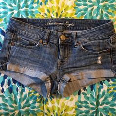 Distressed cuffed shortie shorts American Eagle shortie shorts American Eagle Outfitters Shorts Jean Shorts