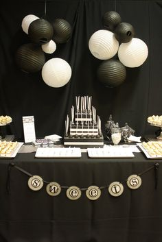Black and white cake pops                                                                                                                                                                                 More