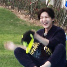 Giggly Luhan makes me happy^.^ (1/2)