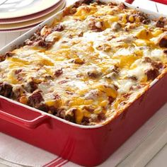 "Bubble Pizza Recipe- Recipes A top-ranked food with teens, pizza can quickly quell a growling tummy! Jo Groth of Plainfield, Iowa says, ""This recipe has a no-fuss crust made from refrigerated biscuits. For a jazzed-up version, add favorite toppings. Recipe For Bubble Pizza, Bubble Up Pizza, Bubble Bread, Pizza Recipes, Cooking Recipes, Cooking Gadgets, Good Food, Yummy Food, Yummy Recipes"