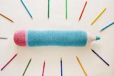 O fio de algodão Natura XL  é tão grosso que nos permite fazer de forma rápida grandes peças em croché. As meninas do Duduá  propõem-no...