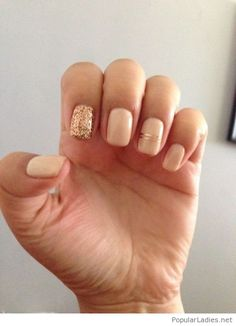 amazing-light-nude-manicure-with-gold-glitter