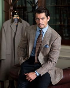 Henry Poole have launched a new #tweed as modelled by #DavidGandy http://riddlemagazine.com/henry-poole-house-check-2/ … #fashion #style #HenryPoole pic.twitter.com/cWsFJyaSnE