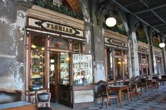 Buy cafe in Padua inexpensively