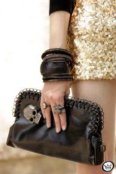 black skull clutch