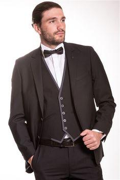 Για περισσότερο από 40 χρόνια, τα καταστήματα Crosby εξειδικεύονται στον τομέα του γαμπριάτικου κοστουμιού. Suit Jacket, Jackets, Fashion, Down Jackets, Moda, Fashion Styles, Jacket, Fashion Illustrations, Suit Jackets