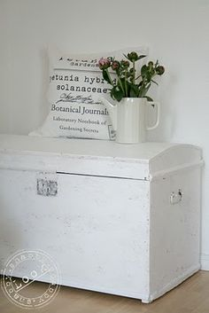 love to use old trunks & suitcases for storage & display!