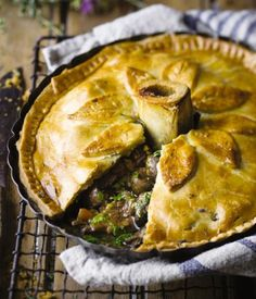Steak and kidney pie - Friday Magazine South African Desserts, South African Recipes, Meat Recipes, Cooking Recipes, Savoury Recipes, Recipies, Steak And Kidney Pie, Kidney Recipes, Savory Tart