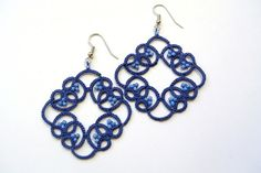 Items op Etsy die op Navy blue earrings tatted lace beaded earrings| navy blue and perywinkle lace jewelry made in Italy Frivolite fibre jewelry lightweight lijken