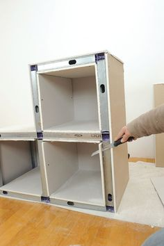 coffre en placo au plafond la hotte je souhaite et rail. Black Bedroom Furniture Sets. Home Design Ideas