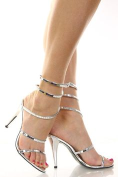 high heels – High Heels Daily Heels, stilettos and women's Shoes Sexy Sandals, Strappy Heels, Shoes Heels, Prom Shoes, Wedding Shoes, Cute Shoes, Me Too Shoes, Stilettos, Talons Sexy