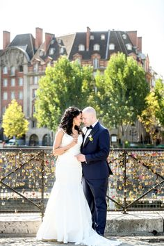 Lovely elopement in Paris Elopements, See Picture, Paris, American, Couples, Wedding Dresses, Pictures, Fashion, Weddings