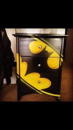 Batman chest of drawers for the superhero room Batman . Boy Room, Kids Room, Painted Furniture, Diy Furniture, Batman Bedroom, Batman Nursery, Batman Room Decor, Nananana Batman, Kids Corner