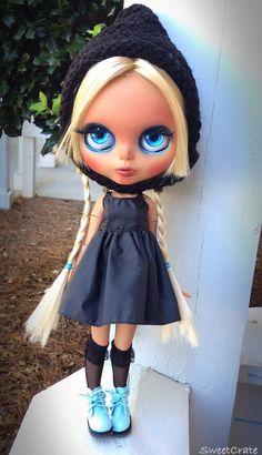 OOAK Blythe Doll Iris Custom Doll 14 by SweetCrate por SweetCrate