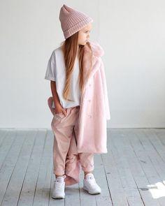 me chama de tabela periódica e diz que rola uma química en… # Fanfic # amreading # books # wattpad Little Girl Outfits, Little Girl Fashion, Toddler Fashion, Kids Fashion, Moda Kids, Kid Styles, Kids Wear, Look Fashion, Baby Dress