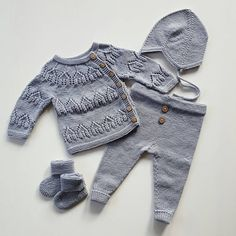 Little Boy Fashion, Toddler Fashion, Kids Fashion, Knitted Baby Clothes, Cute Baby Clothes, Knitting For Kids, Baby Knitting Patterns, Pinterest Baby, Baby Cardigan