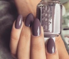 Perfect for winter Luxury Beauty - winter nails - http://amzn.to/2lfafj4