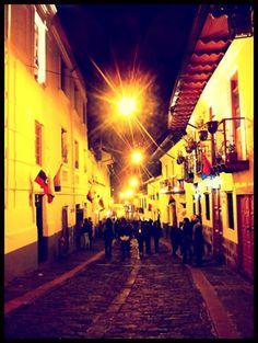 An Enchanting Evening Stroll on Quito's Calle la Ronda on http://wanderlustandlipstick.com/blogs/travelpurpose