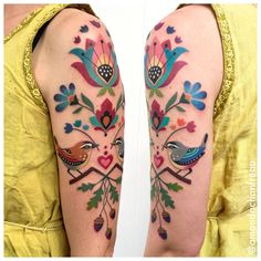 colorful new idea for arm tattoos nueva idea colorida para tatuajes de brazo # tätowierung # tätowierungskunst y arte corporal Tattoo Henna, Arm Tattoos, Get A Tattoo, Flower Tattoos, Sleeve Tattoos, Tatoos, Pretty Tattoos, Unique Tattoos, Beautiful Tattoos