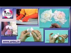 Como modelar rosas con porcelana fria - YouTube