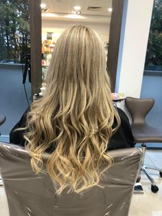 Super Long Hair. Blonde. Highlights. Ash. Beige. Ash Beige, Super Long Hair, Blonde Highlights, Stylists, Long Hair Styles, Beauty, Blonde Chunks, Blond Highlights, Long Hairstyle