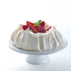 Recept: Dort Pavlova + VIDEO   iGurmet.cz Czech Recipes, Russian Recipes, Ethnic Recipes, Flan, Sweet Recipes, Cake Recipes, Pavlova, Food Photo, Nutella