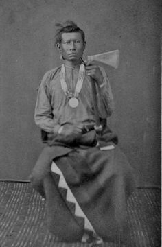 Osage man at Fort Smith in Arkansas - 1865 Native American Regalia, Native American Beauty, Native American Photos, Native American History, Osage Indians, Plains Indians, Osage Nation, Native Indian, Indian Tribes