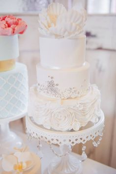 We are Obsessed with These Gorgeous Wedding Cakes! To see more: http://www.modwedding.com/2014/09/25/obsessed-gorgeous-wedding-cakes/ #wedding #weddings #wedding_cake