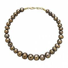 """Non il ne fera pas """"madame"""" si tu le mix avec le cubed necklace. Et tu peux ajouter une chaînette en plus;-)Out of Africa Necklace - Necklaces - Jewelry - Products"""