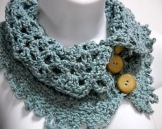 Hmmm...this is crocheted...am I willing to try my hand at this??? Awfully cute!!
