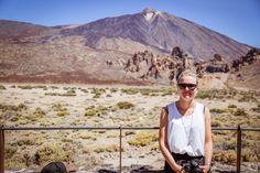 When you are on Tenerife, you should visit El Teide the Vulcano. Such a pretty landscape. Tenerife, Pretty Landscapes, Mount Rainier, Photo S, Mountains, Blog, Travel, Teneriffe, Trips