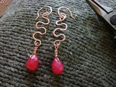 Earrings : DIY Wiggle Earrings