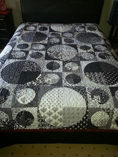 Black and White circle quilt