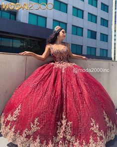 Source by dresses Quince Dresses Burgundy, Quince Dresses Mexican, Quinceanera Dresses Maroon, Mexican Quinceanera Dresses, Sparkly Dresses, Quinceanera Ideas, Dama Dresses, Pageant Dresses, Sweet 15 Dresses