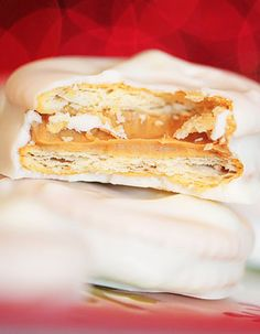 Candy Dipped Peanut Butter Stuffed Ritz Sandwiches