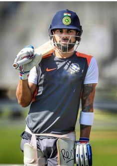 Stylish Batsman...😊💓💖 #Virat Kohli...💕💞 Indian Army Wallpapers, Virat Kohli Wallpapers, Virat And Anushka, Cricket Wallpapers, Mahakal Shiva, Avengers Imagines, Cricket Sport, Team Games, Ronaldo