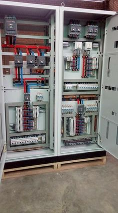 Board ready for commissioning – My All Pin Page Electrical Panel Wiring, Electrical Cabinet, Electrical Circuit Diagram, Electrical Projects, Electrical Installation, Electronics Projects, Electronic Engineering, Electrical Engineering, Distribution Board