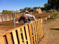 Fences Made Out Of Pallets   Farm Life / Make fences out of wooden pallets.