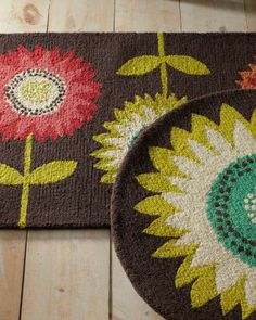 ohhhhhh..... want for the kitchen! Sunflower Hooked Wool Rug