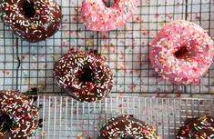 Want a Krispy Kreme donut recipe you can make at home? Our chewy, briochelike version is just the thing. How to Make Bulletproof Fluffy Yeasted Donuts at Home Best Donut Recipe, Donut Recipes, Yeast Donuts, Doughnuts, Great Chicken Recipes, Sweet Recipes, Krispy Kreme Donut Recipe, Instant Pot Potato Recipe, Eggs And Soldiers