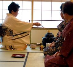 The UWF Japan House, built in 2004, has an authentic tatami room and a Japanese tea room, as well as a Japanese viewing garden. Tea ceremonies are held often and students, staff, faculty, and the public can attend... but there are rules :)    After the Looks yummy! Go to my website to GET THE FREE UPDATES.