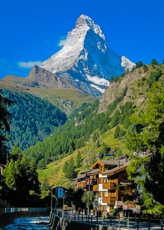 The Matterhorn as seen from Zermatt, Switzerland Beautiful World, Beautiful Places, Skier, Swiss Travel, Zermatt, Swiss Alps, Mountain Landscape, Holiday Travel, Beautiful Landscapes