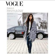 #Chiaratotire ,#stylist di vogue japan indossa il poncho #stefanel della nuova collezione per le vie di #parigi durante la fashion week. Visto su vogue.it@chiaratotire #stefanel #stefanelvigevano