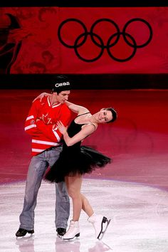 Tessa Virtue and Scott Moir of Canada Vancouver 2010 Olympic Gala. Funny combination of costumes! Virtue And Moir, Tessa Virtue Scott Moir, Qi Gong, Baile Jazz, Skate 3, Tessa And Scott, Medvedeva, Ice Dance, Figure Skating Dresses