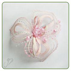 Šperky :: Paličkovaný svet Lace Making, Flower Making, Lace Jewelry, Bobbin Lace, Lace Flowers, Needle And Thread, Needlework, Inspiration, Beautiful